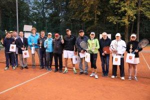 Turniej tenisowy w parku